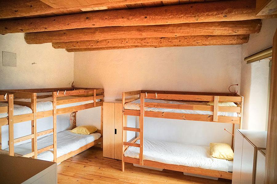 Dormitorio de mujeres en Casa Cuadrau