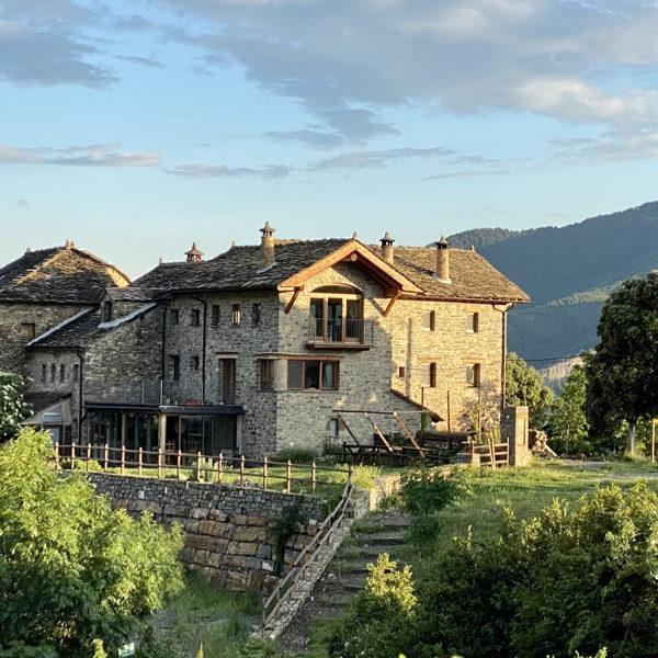 casa-cuadrau-ecologica-pirineos-senderismo-yoga-ordesa