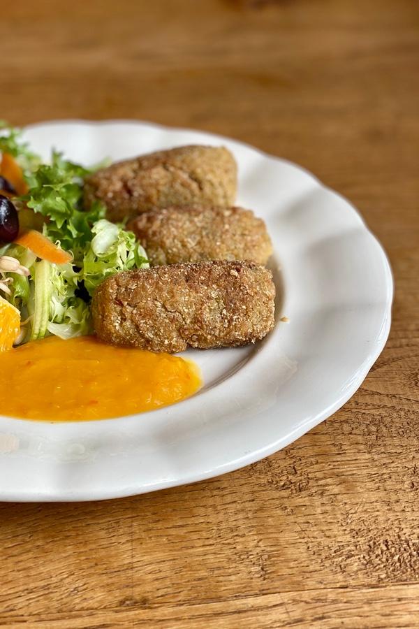 Croquetas vegetarianas de quinoa Casa Cuadrau
