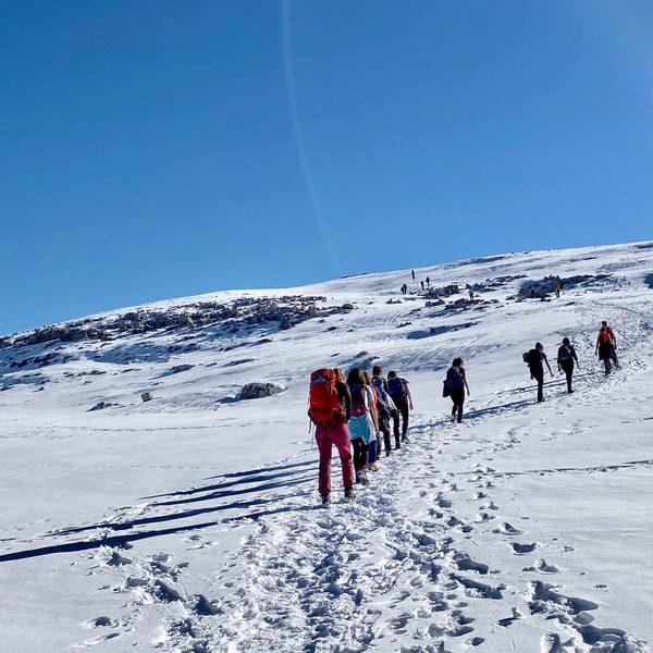 Retiro de Fin de Año 2020 y Año Nuevo 2021 Casa Cuadrau Yoga y Senderismo Pirineos